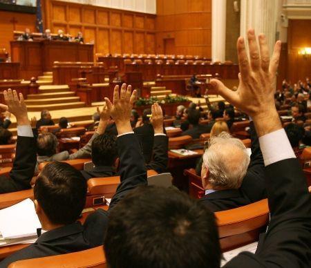 OUG nr 20/2016 privind salarizarea bugetarilor a fost adoptata de Senat
