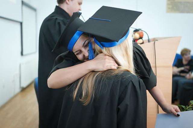 Cum pot intra absolventii de liceu in posesia indemnizatiei de somaj, pana pe 25 iulie
