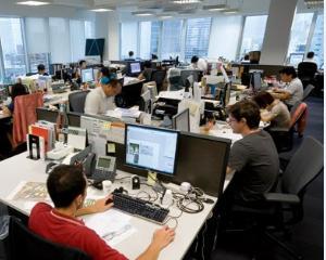Premierul Ciolos vorbeste despre posibile restructurari in administratia publica