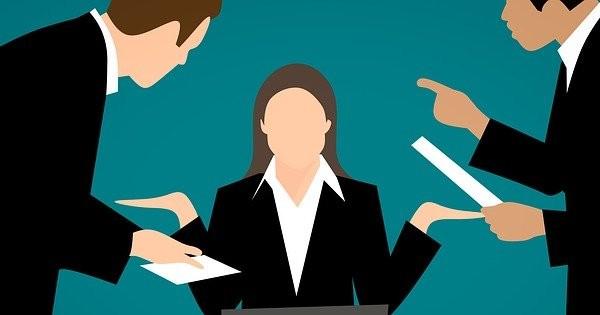 Cum vede Violeta Alexandru politica de angajari in sistemul public