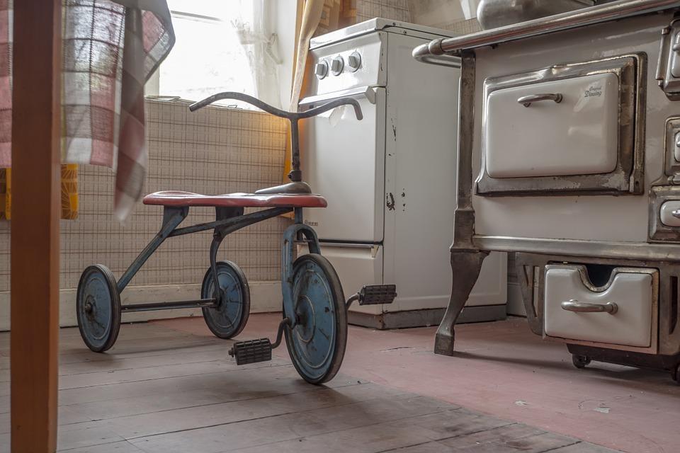 Romania Recicleaza: 50.000 kg de echipamente electrice vechi predate de romani!