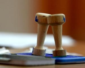 Autoritatea Electorala Permanenta sanctioneaza mai multe primarii pentru incalcarea legislatiei