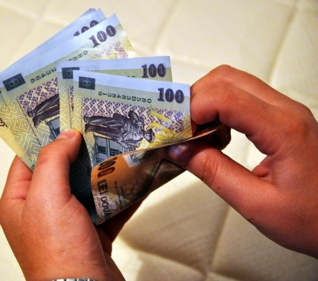 Se MAJOREAZA salariul minim pe economie cu 100 de lei! Cine a facut anuntul