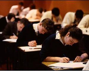 Toate posturile din invatamant vor fi ocupate din 2015 prin concurs