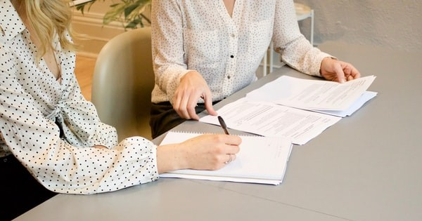 Contract colectiv de munca bugetari pentru un serviciu public de interes local. Negociere CCM si drepturile salariatilor
