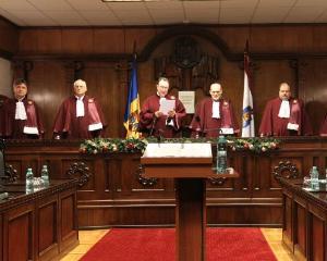 Legea alesilor locali condamnati cu suspendare, declarata neconstitutionala de CCR