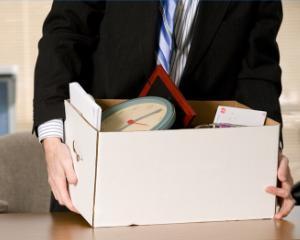 Modificari in Codul Muncii: angajatii pot fi concediati prin e-mail