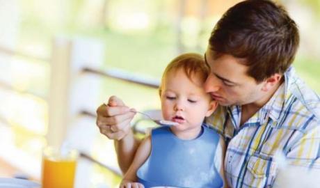 Concediul paternal nu se va majora la absolvirea cursului de puericultura