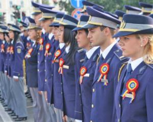 2.400 de posturi au fost scoase la concurs de Politia Romana