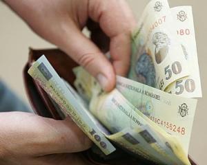Din ianuarie 2015 cresc pensiile cu 5%, iar salariul minim pe economie ajunge la 975 de lei