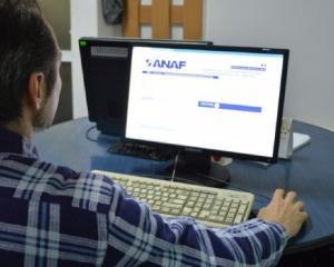 Contribuabilii pot descarca de pe PCUe toate modelele de formulare aferente serviciilor publice