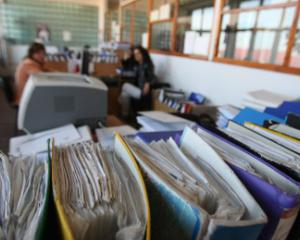 Evaluarea dosarelor de autorizare a persoanelor juridice