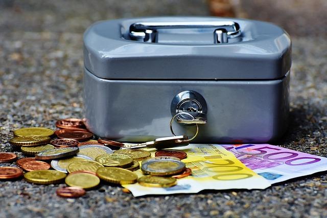 Economia UE urmeaza sa depaseasca asteptarile, cu o crestere solida de 2,3%
