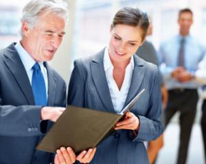Institutiile publice, obligate sa asigure formarea profesionala angajatilor
