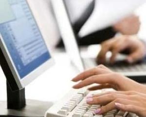 Angajatii care NU mai fac parte din categoria functionarilor publici