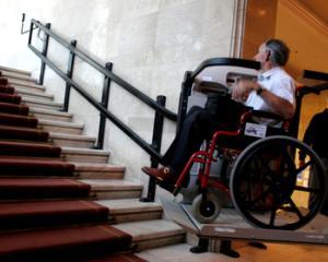 Indemnizatia pentru persoanele cu handicap s-ar putea majora cu 30%