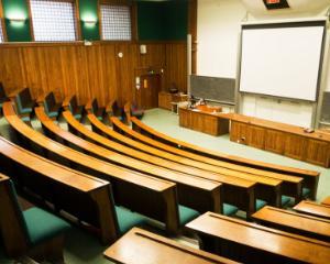 Institutiile de invatamant nu constituie birouri