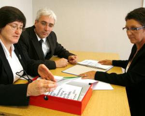 Posturi vacante in administratia publica