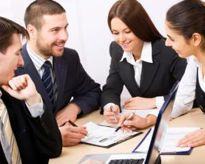 Guvernul NU este de acord cu limitarea timpului saptamanal de munca pentru angajatii cu mai multe contracte