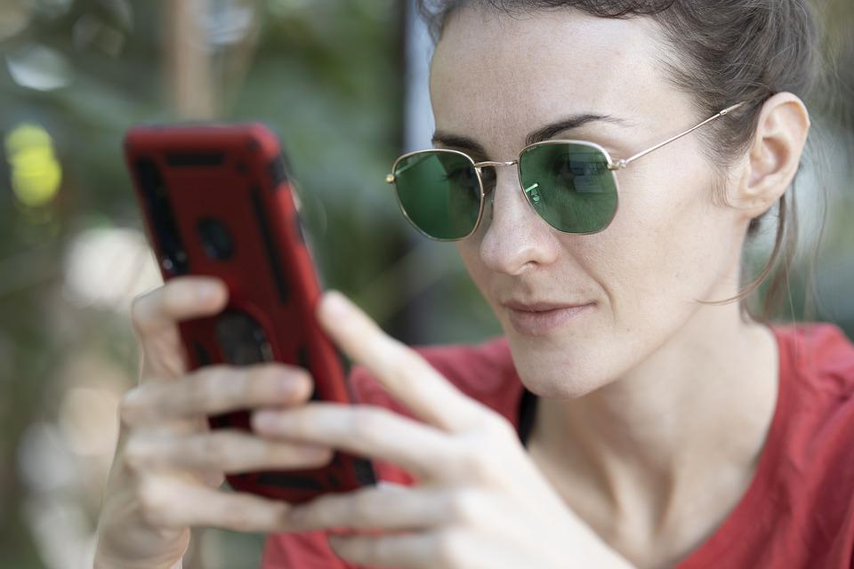 Peste 140 de localitati din Romania pot beneficia de internet wireless gratuit in spatii publice