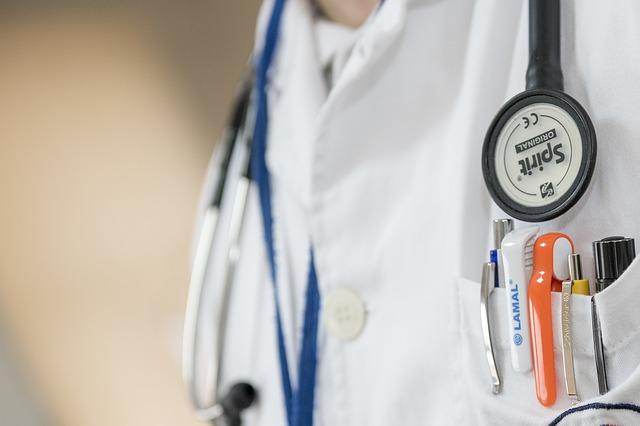 Membrii de partid pot fi manageri de spitale. A fost adoptata OUG 79