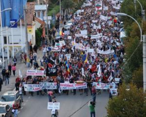 Peste 3.000 de bugetari protesteaza miercuri in fata Guvernului si ameninta cu greva generala