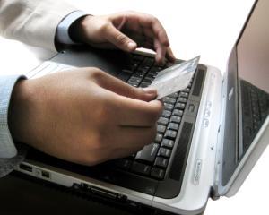 Contribuabilii pot plati online obligatiile la Fisc, primarii si alte institutii publice
