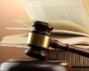 In ce conditii pot institutiile publice sa angajeze un avocat