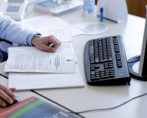 Promovarea personalului contractual pe perioada determinata