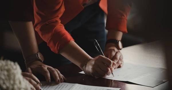Anulare decizie reincadrare si reintegrare pe post in institutie publica. Opinia specialistului