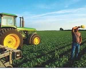 Institutiile si fermierii de pe
