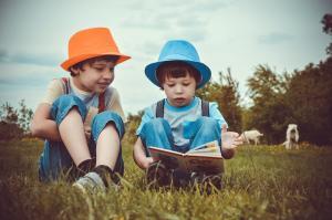 Proiect de modificare a legii adoptiei. Copiii din sistemul de protectie speciala vor avea mai multe sanse sa fie adoptati