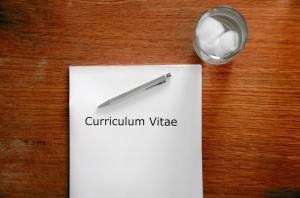 Tinerii dezavantajati se vor putea angaja, timp de 24 de luni, in institutiile publice locale