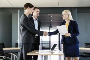 Salariul MINIM si baza de calcul a indemnizatiei pentru titlul stiintific de doctor