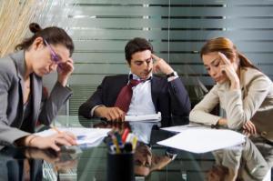 Recuperarea pagubelor cauzate de personalului bugetar, la locul de munca. Angajamentul de plata al salariatului