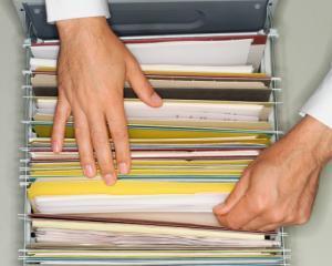 Cat timp pastram in arhiva documentele justificative ale salariatilor?