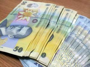 Angajatorii vor datora la fondul brut de salarii taxa de solidaritate. Ce mai anunta Ministerul Finantelor Publice