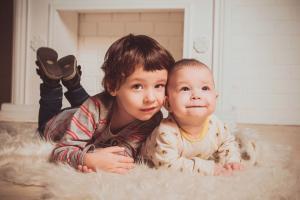 Buget suplimentar pentru sistemul de protectie a copilului si a persoanelor cu dizabilitati