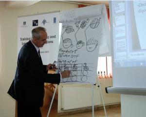 Realizarea cererii pentru inscrierea si participarea functionarilor publici la cursuri profesionale