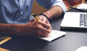 Proiect de lege: concediu de odihna de cel putin 25 de zile pentru toti angajatii
