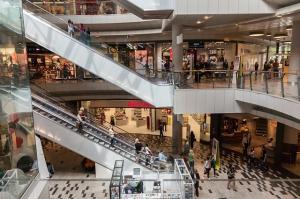 De ce consumul excesiv duce la crearea de locuri de munca in exteriorul tarii
