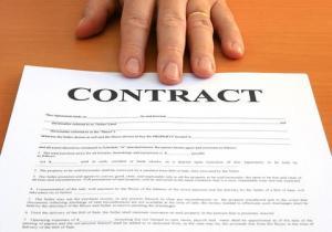 Suspendarea unor angajati aflati in functii publice de conducere. Vor avea acelasi venit salarial, la revenirea in functie?