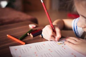Deduceri pentru copii, un nou proiect al Guvernului. Impozitul pe gospodarie ar putea intra in vigoare