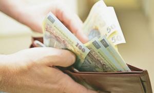 Salariul minim din Romania, printre cele mai mici din Uniunea Europeana