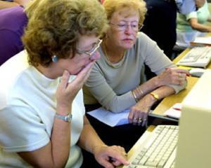 Cum pot bugetarii sa cumuleze pensia cu salariul