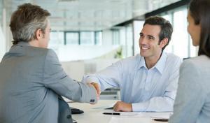 Promovare personal contractual. Cu ce data se face incadrarea in noua functie?