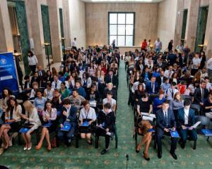 Administratia publica centrala porneste cel mai mare program de internship pentru tineri