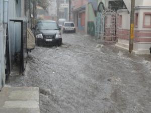 Ajutoare de urgenta in valoare de pana la 6.000.000 lei pentru sprijinirea familiilor afectate de inundatiile din perioada iunie - iulie 2018
