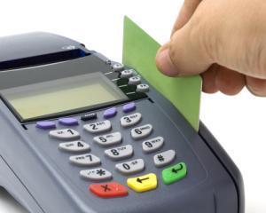Guvernul a aprobat Legea de plafonare a platilor in numerar