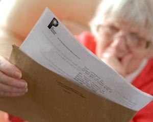 Pensiile vor fi majorate de la 1 ianuarie 2017. O noua majorare urmeaza in iulie